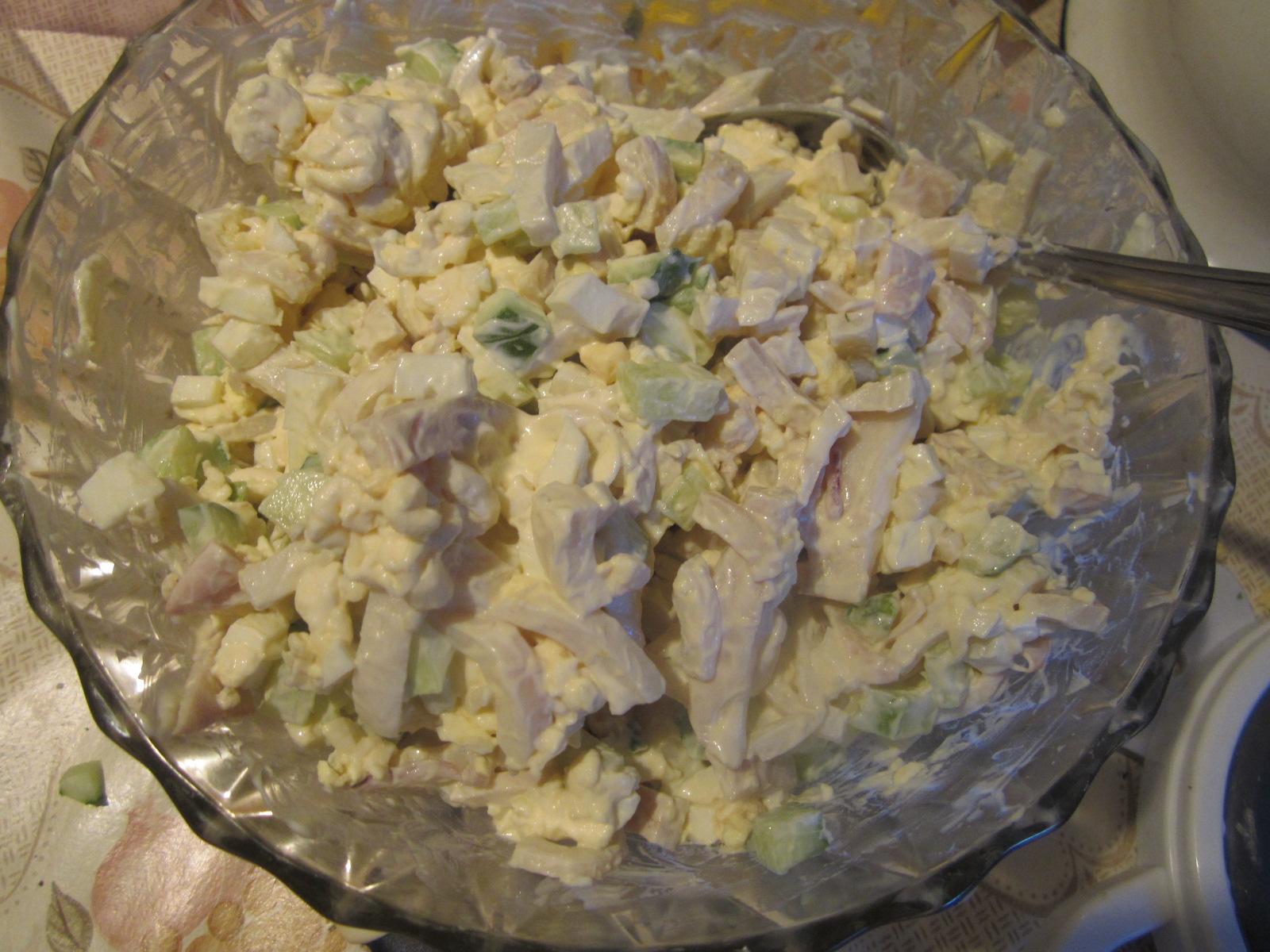 Салат с кальмарами и яйцом и рисом самый вкусный пошаговый рецепт